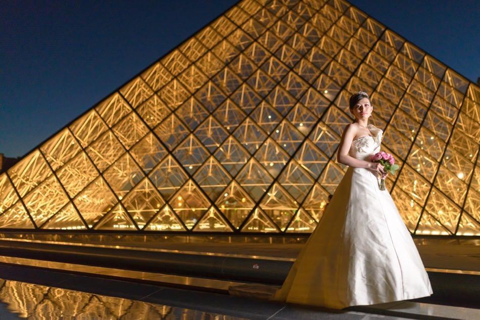 ルーブル美術館 ピラミッド ナイトフォト