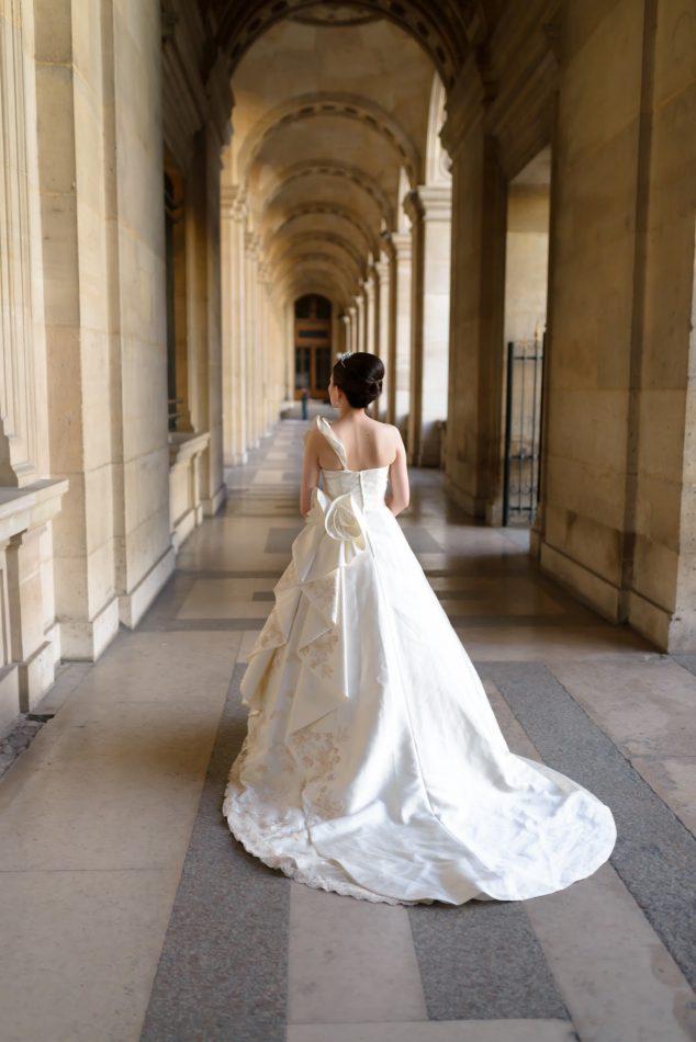 ルーブル回廊,ウェディングドレス